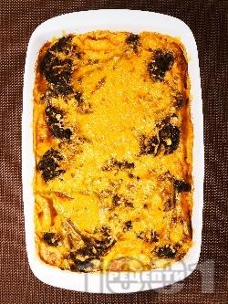 Запеканка с броколи, течна готварска сметана, прясно мляко, яйца и сиренe чедър на фурна - снимка на рецептата